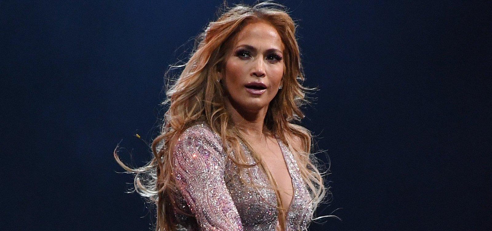 [Jennifer Lopez é processada por postar a própria foto no Instagram]