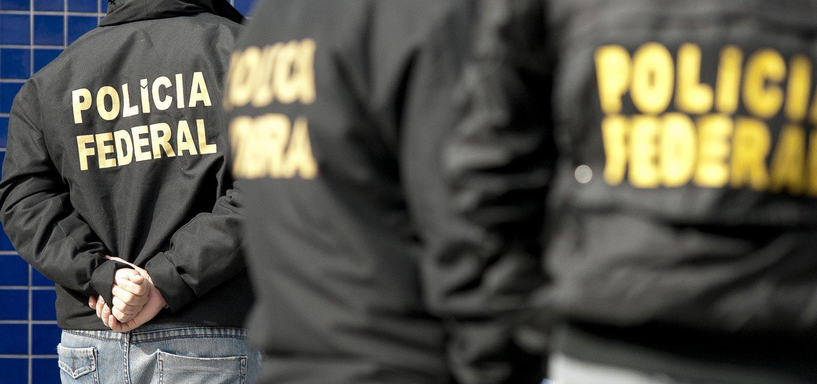 [Operação da PF: Homem é levado de apartamento da Barra, em Salvador]