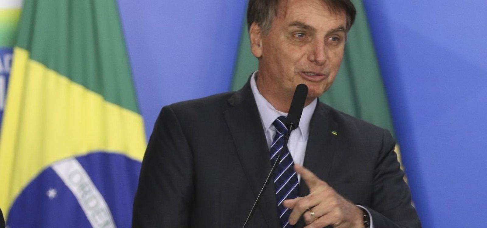[Bolsonaro veta PL que exigia psicologia e assistência social em escolas públicas]
