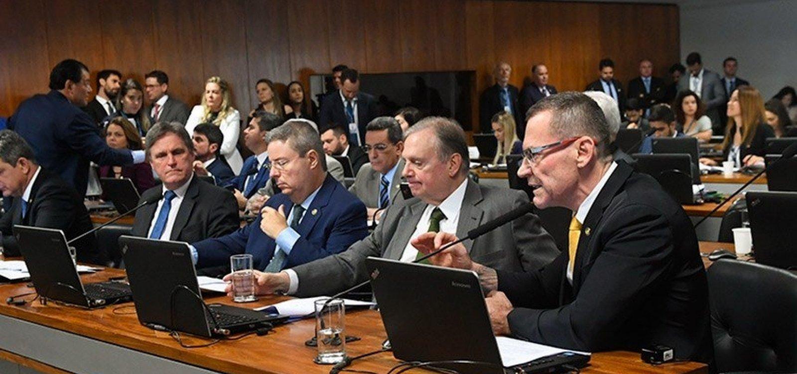 [Veículos novos vão passar por teste de impacto antes da venda, decide CCJ do Senado]