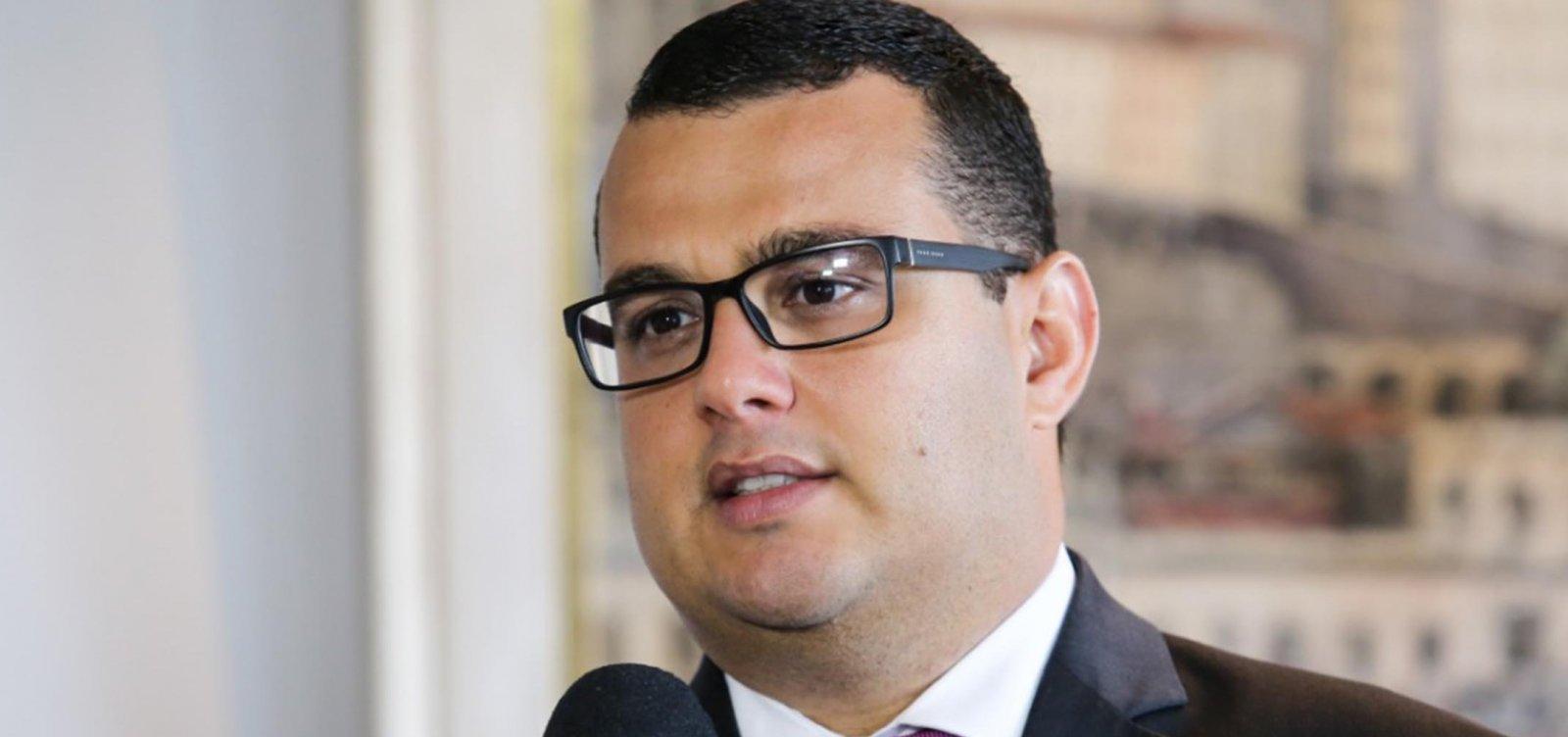 [Com Leal no Vaticano, Alex Lima assume presidência da AL-BA]