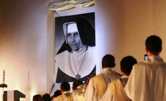 [Paróquias de Salvador e Santuário vão exibir missa de canonização de Irmã Dulce]
