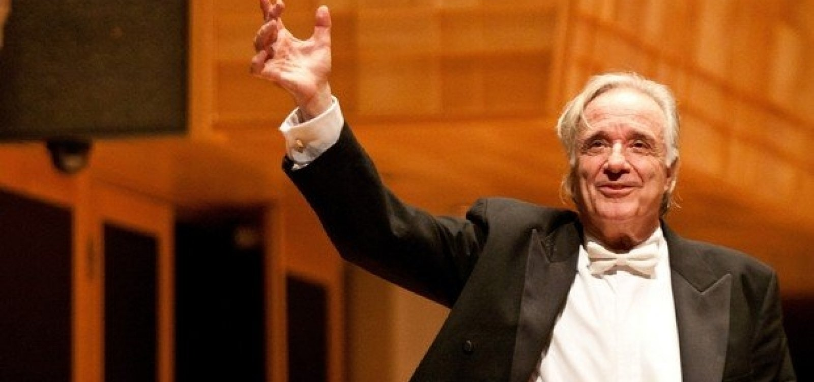 [Aos 79, maestro João Carlos Martins lança livro: 'Cada vez mais empolgado']