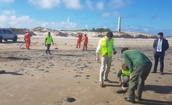 [Governo quer que a Shell explique aparecimento de barris no litoral do Nordeste]