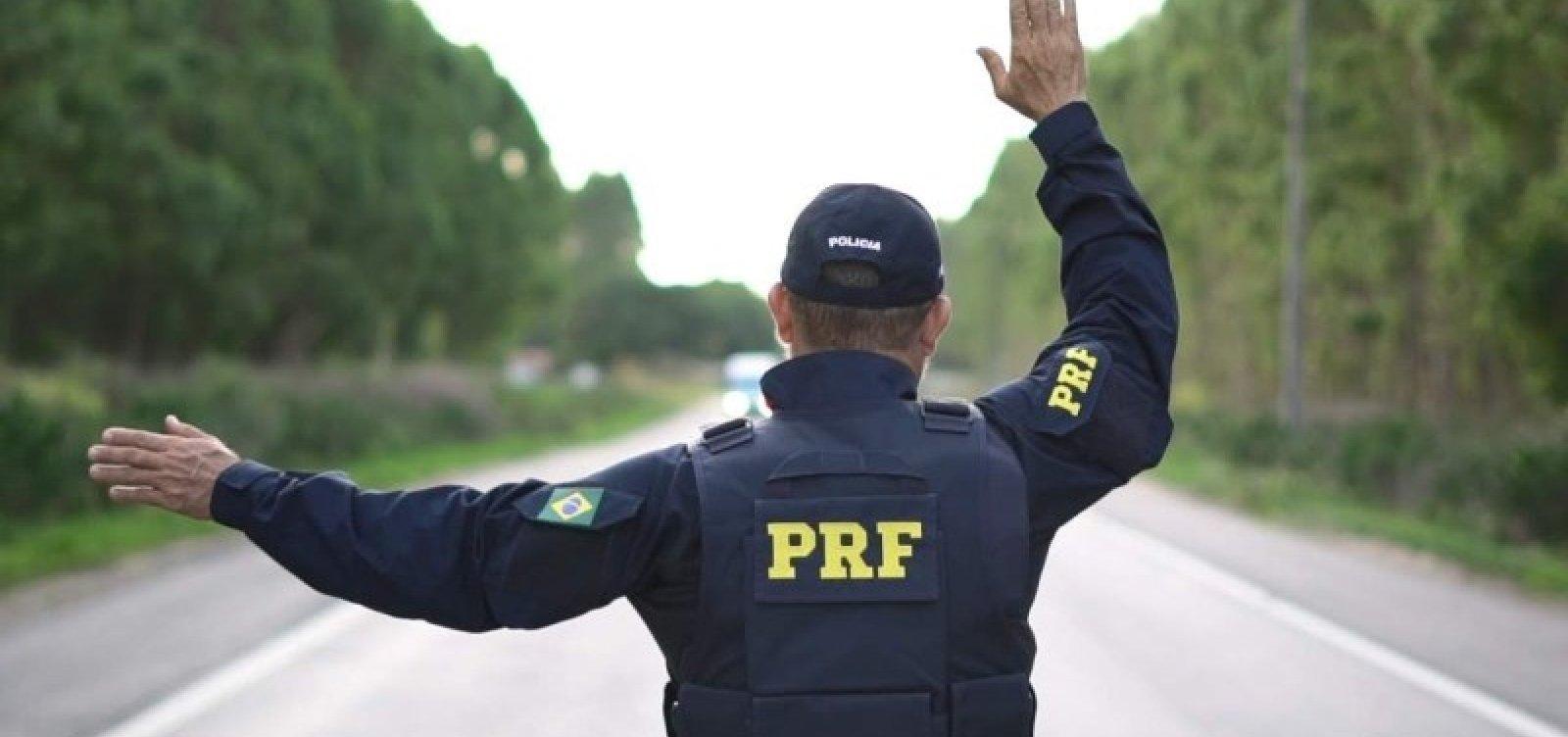 [Caminhoneiro é detido ao tentar subornar policiais na BR-101]