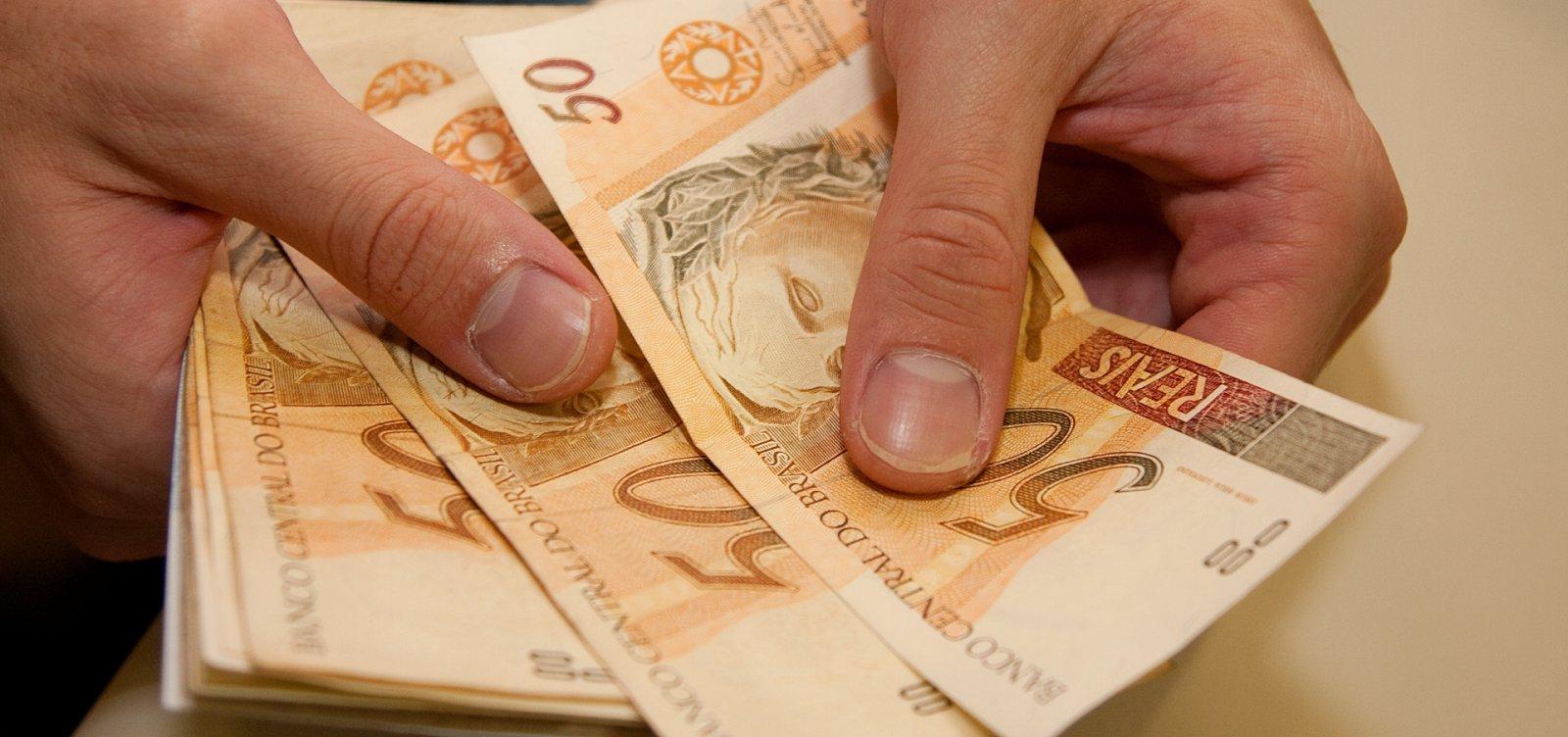[Diferença salarial entre pobres e ricos é recorde, aponta IBGE]