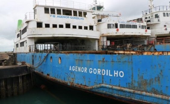 [Afundamento do ferry boat Agenor Gordilho é suspenso]
