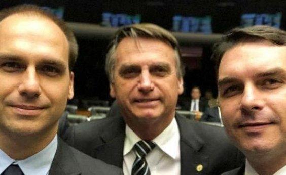 [Presidente do PSL assina destituição de filhos de Bolsonaro]