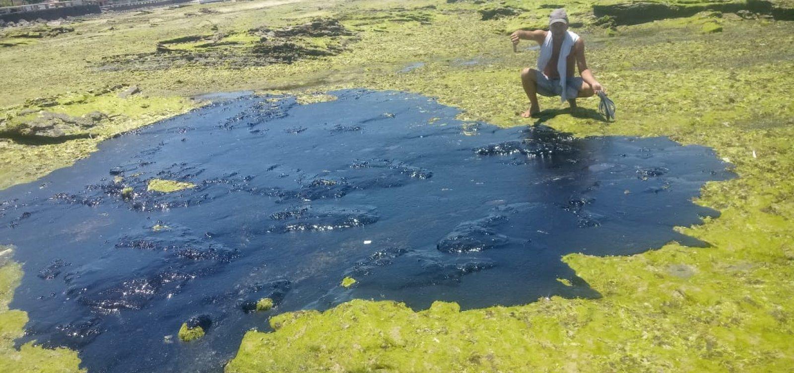 [Manchas de óleo atingem Praia do Jaburu em Vera Cruz]