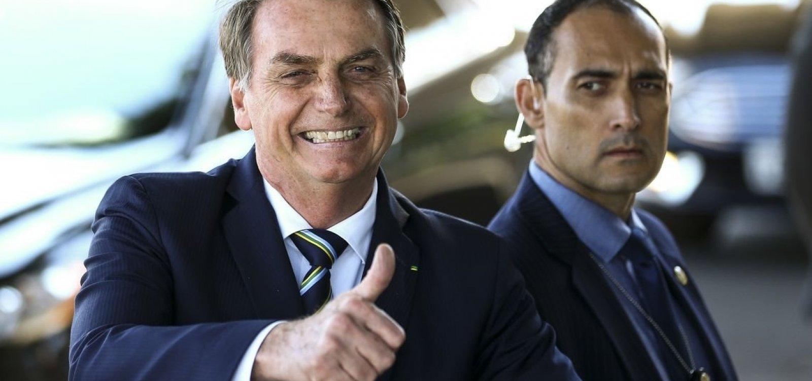 ['Por enquanto, sem alteração', diz Bolsonaro sobre indicação de Eduardo como embaixador]