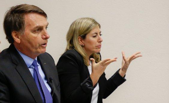 [Bolsonaro questiona se óleo no mar seria 'ação criminosa' para prejudicar leilão do pré-sal]