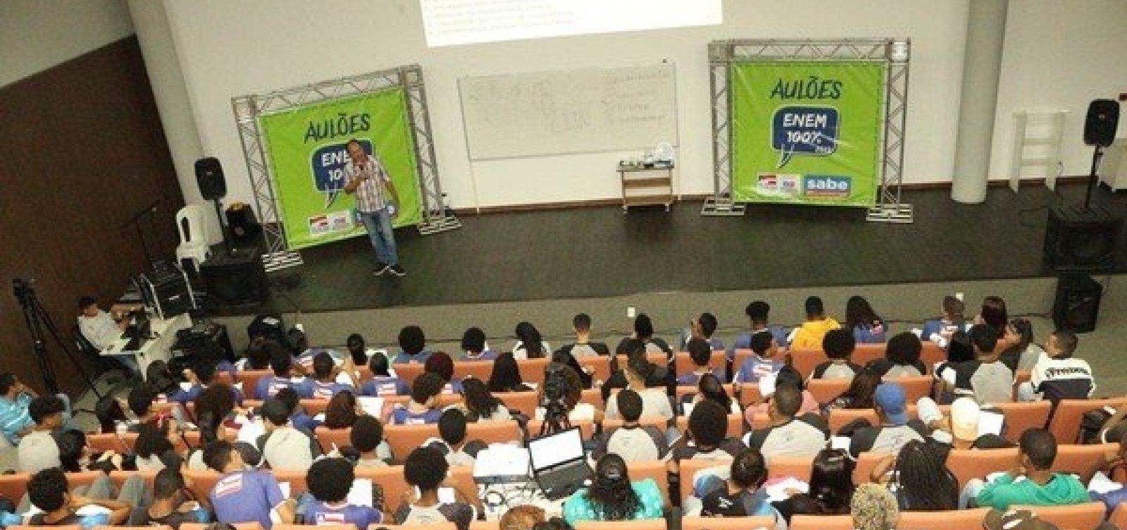 [Universidade oferece aulas gratuitas de revisão para o Enem em Salvador]