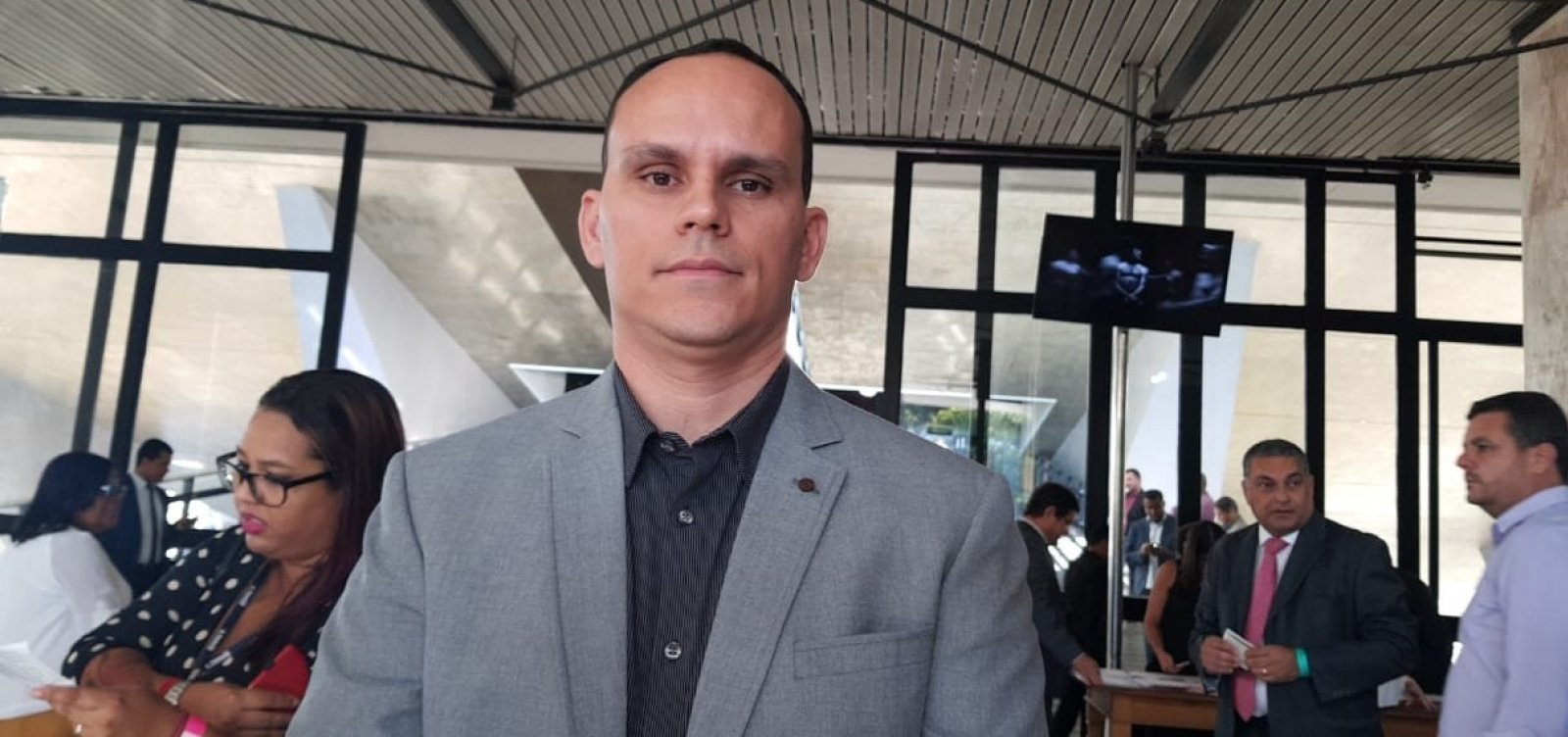 ['Não estou mais com Bolsonaro', diz Alberto Pimentel, marido de presidente do PSL-BA]