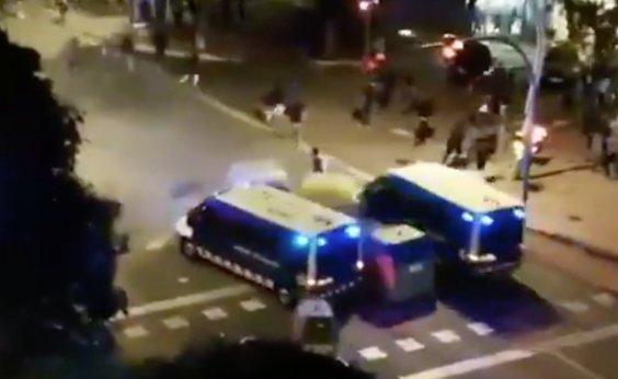 [Prefeita de Barcelona pede fim de violência em manifestações]