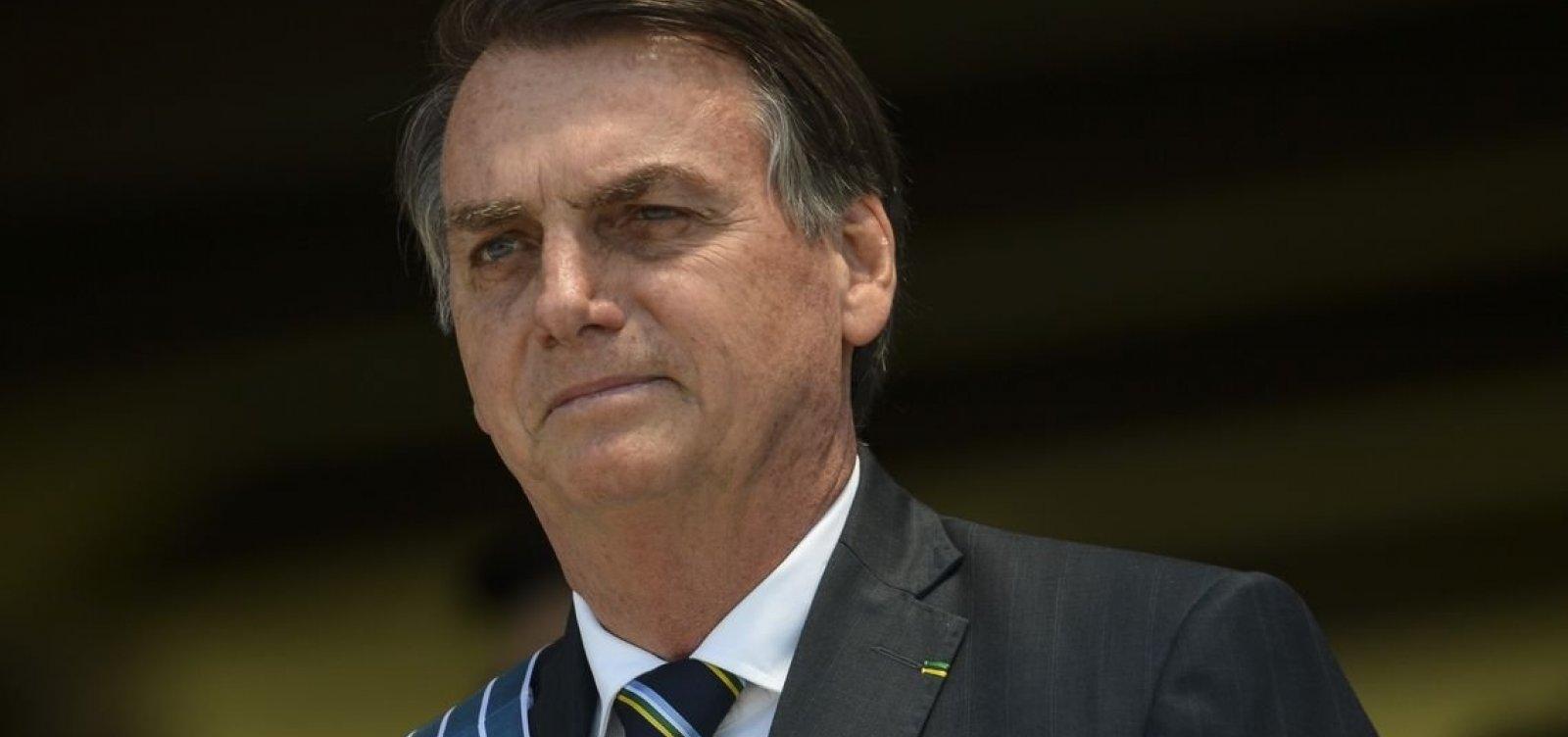['Pergunta para eles', diz Bolsonaro ao ser questionado se fica no PSL]