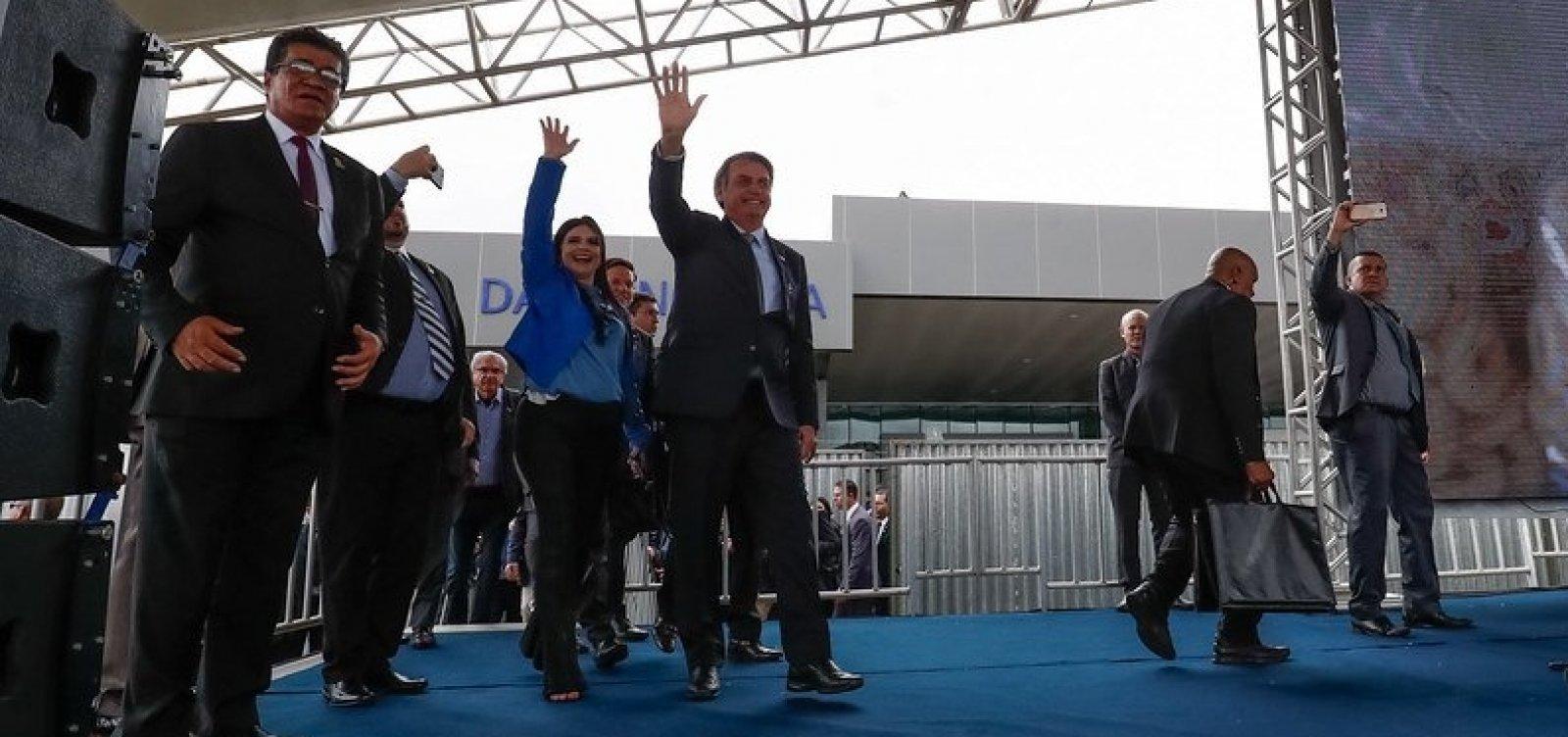 [Bolsonarismo baiano entra em colapso e deputada discute com filho do presidente ]