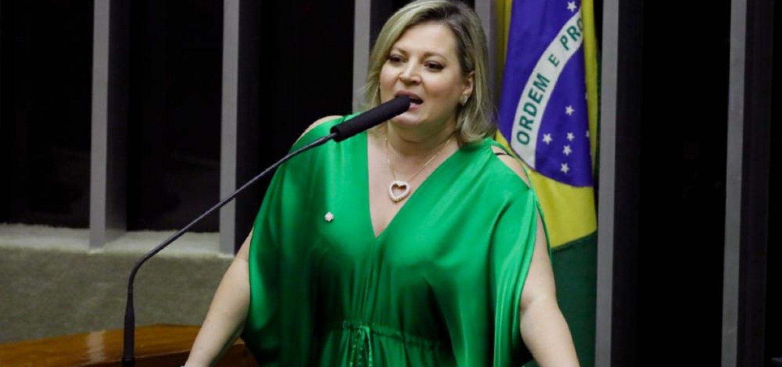 [Parlamentares petistas vão convidar Joice Hasselmann para depor em CPI das fake news]