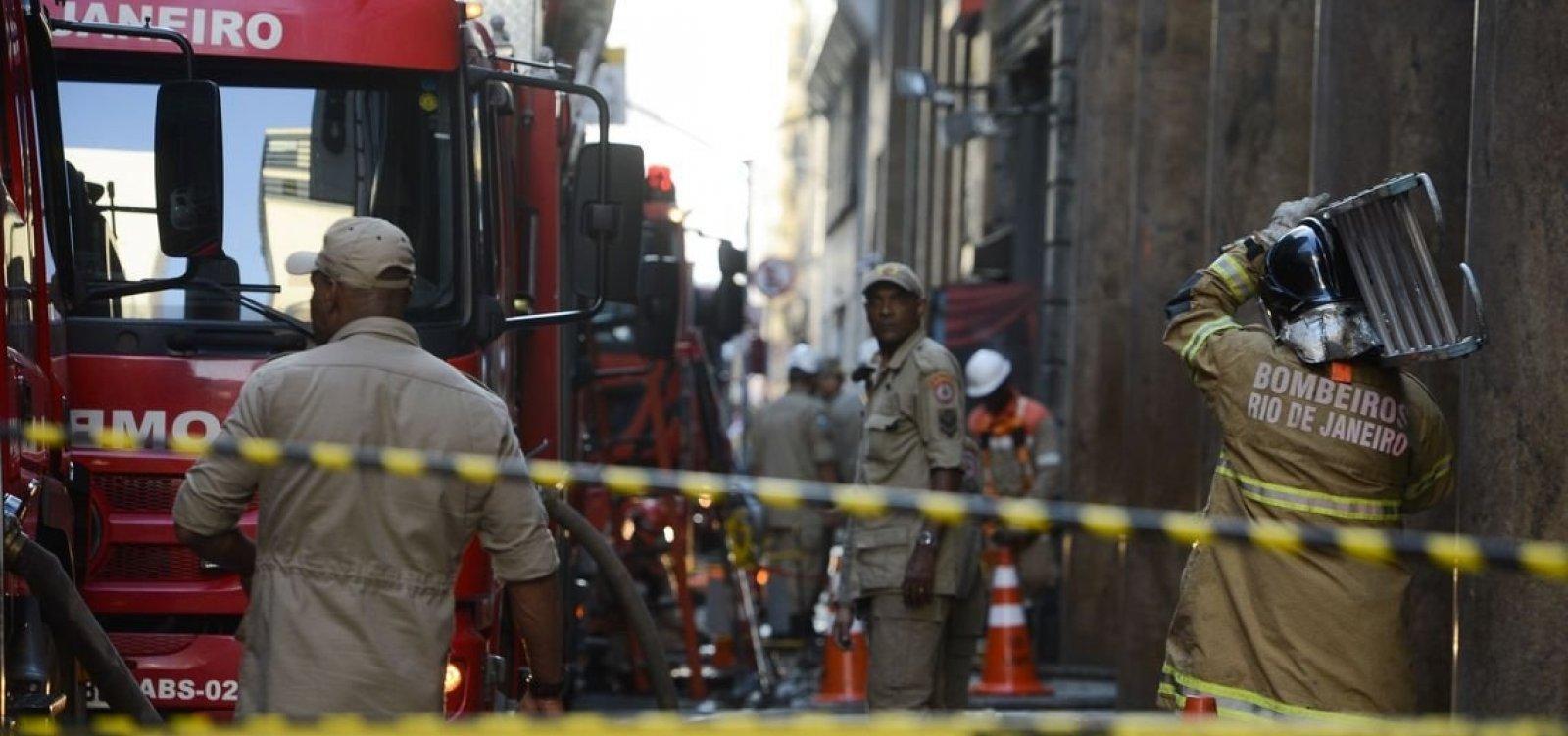 [Bombeiros são chamados para combater possível novo foco de incêndio em boate no RJ]