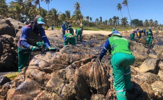 [Especialistas reclamam de falta de transparência na apuração de vazamento de óleo]