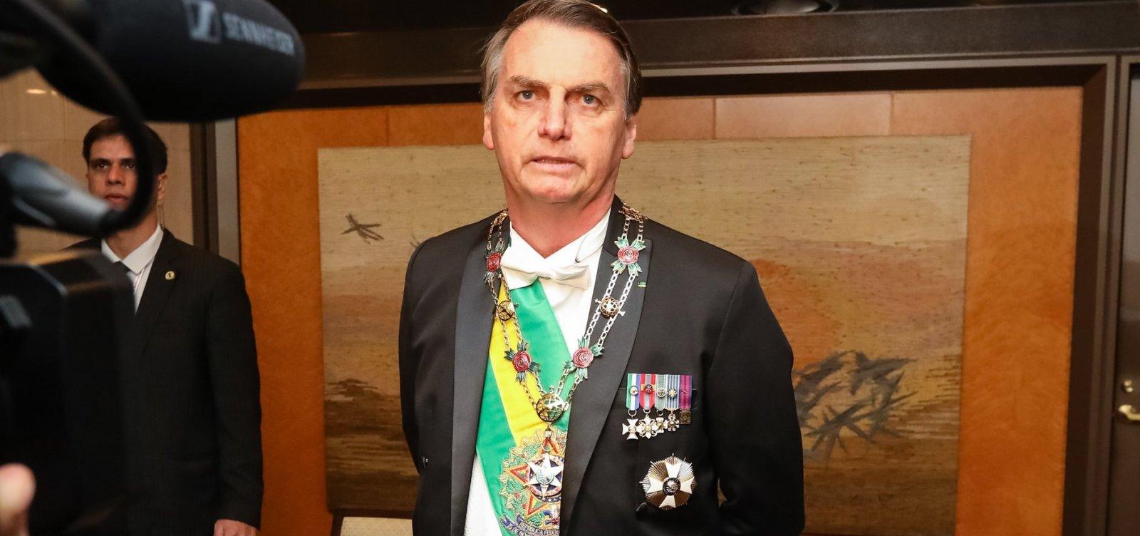 [Bolsonaro tem novo nome para embaixada caso Eduardo desista do cargo]