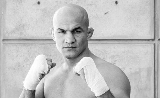 [Junior Cigano pega infecção e cancela participação em card do UFC]