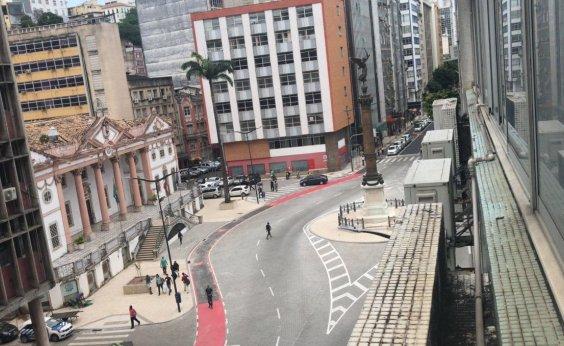 [Queda de energia afeta ruas e edifícios do Comércio, em Salvador]
