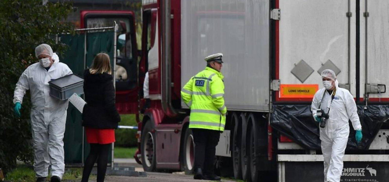 [39 mortos em caminhão no Reino Unido são de nacionalidade chinesa]