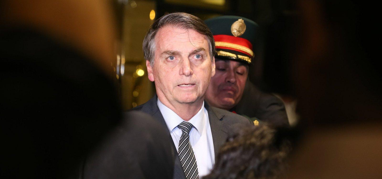 [Bolsonaro foge de entrevista após pergunta sobre crítica de ministro do STF]