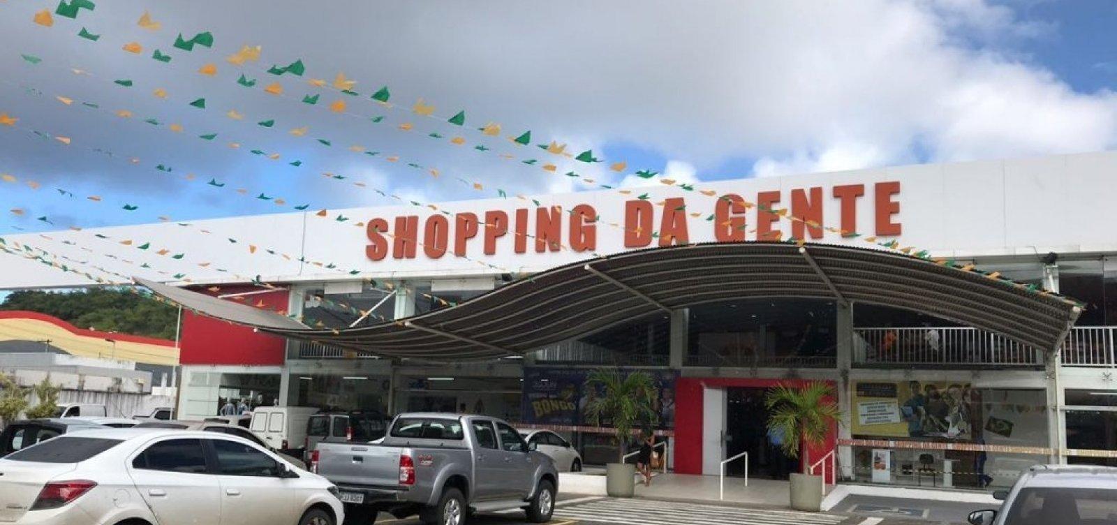 [Policial é morto após reagir a assalto dentro de shopping em Salvador]