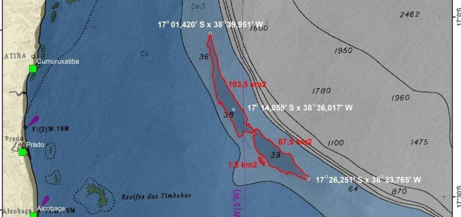 [Pesquisadores do Rio encontram grande mancha de óleo no mar perto da costa na Bahia]