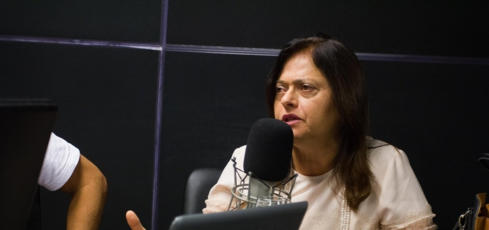 [Após faltar a lançamento de campanha, Alice Portugal promete apoio a Olívia Santana]
