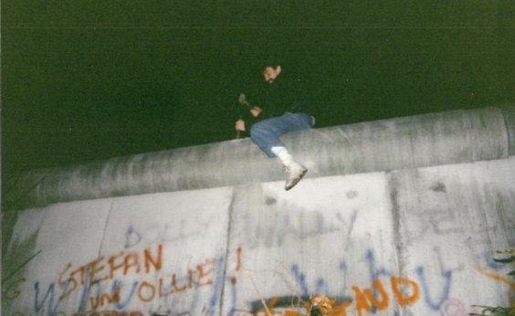 [Ouça matéria de Nardele Gomes sobre a queda do Muro de Berlim]