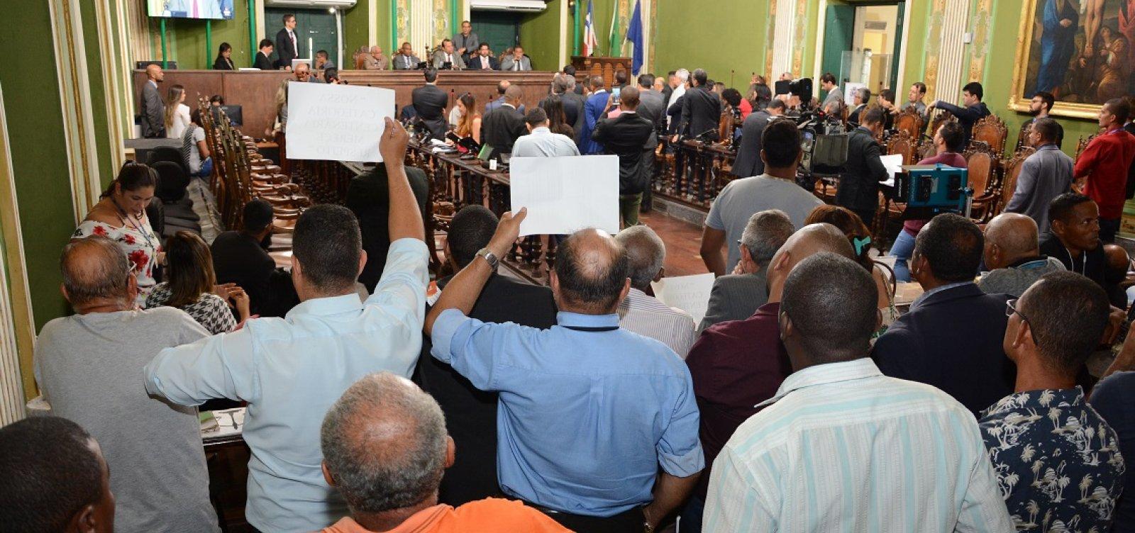 [Câmara de Salvador adia votação de vetos a regulamento de transporte por aplicativo]