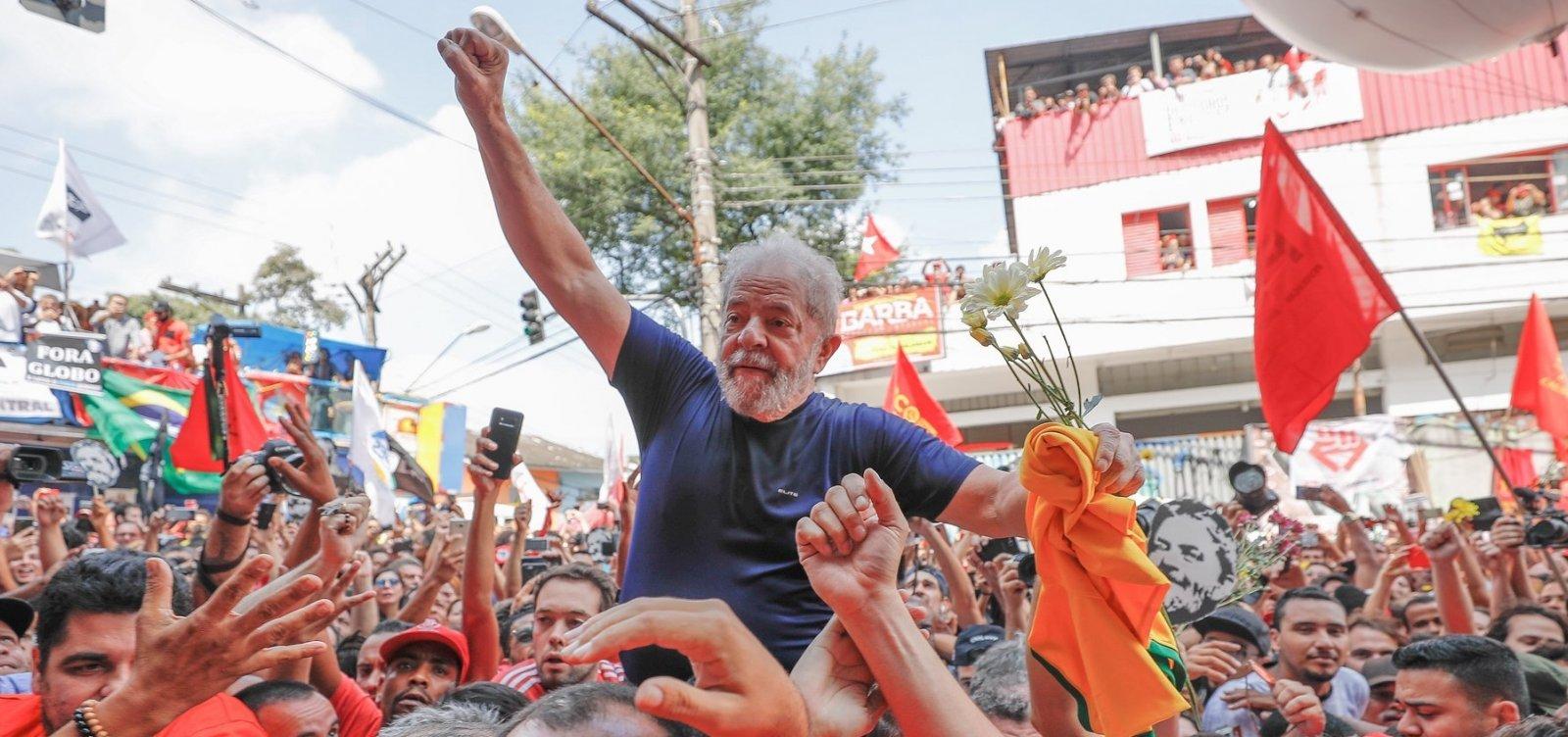 [Juiz determina saída de Lula da prisão após decisão do STF]