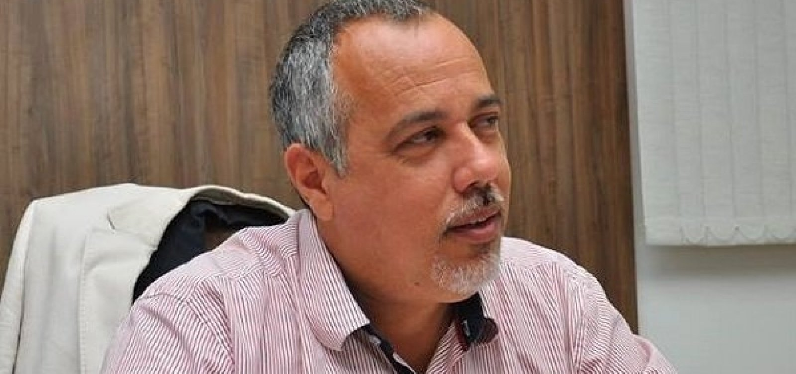 [TCM multa ex-prefeito de Lauro de Freitas]