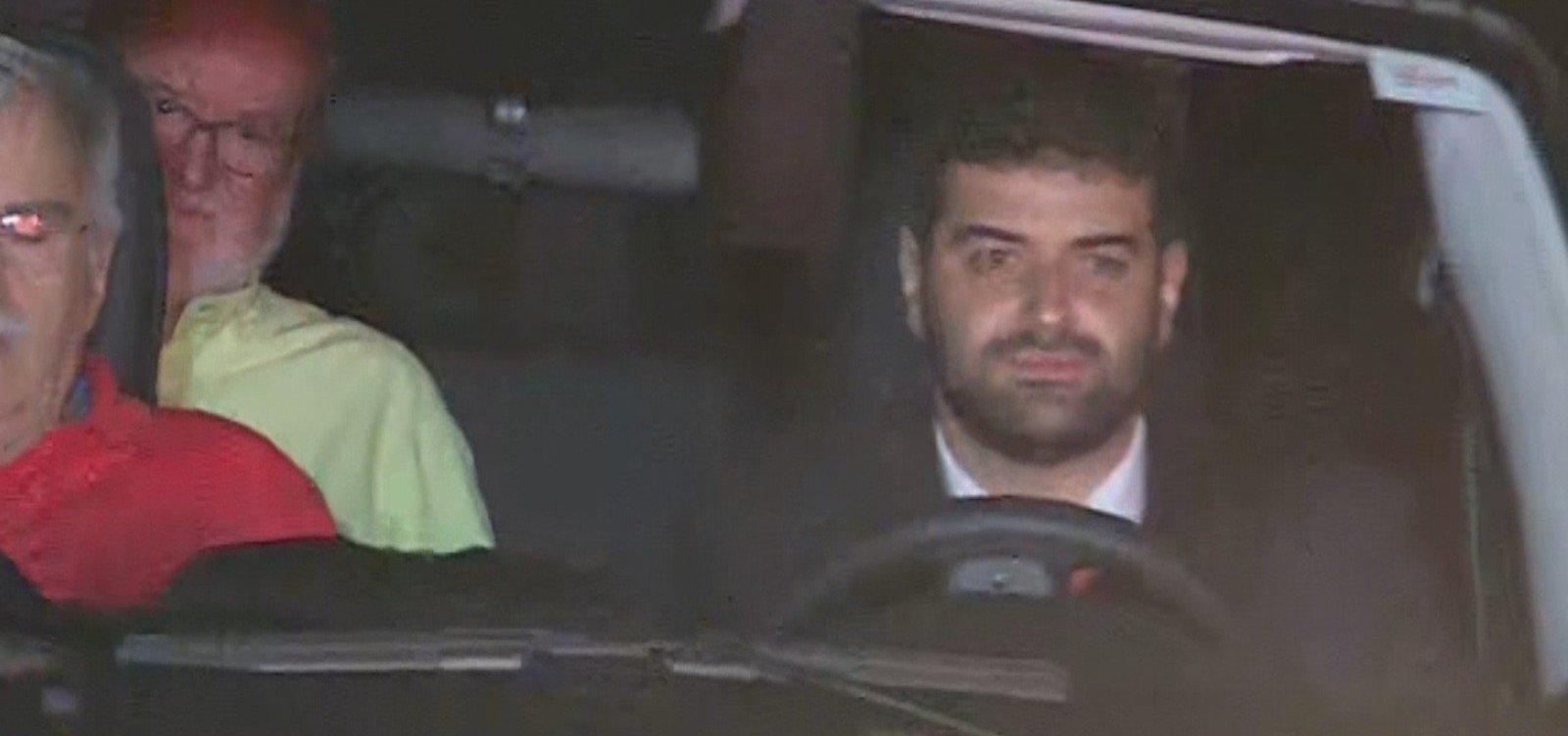 [Ex-governador de Minas Gerais Eduardo Azeredo sai da prisão]