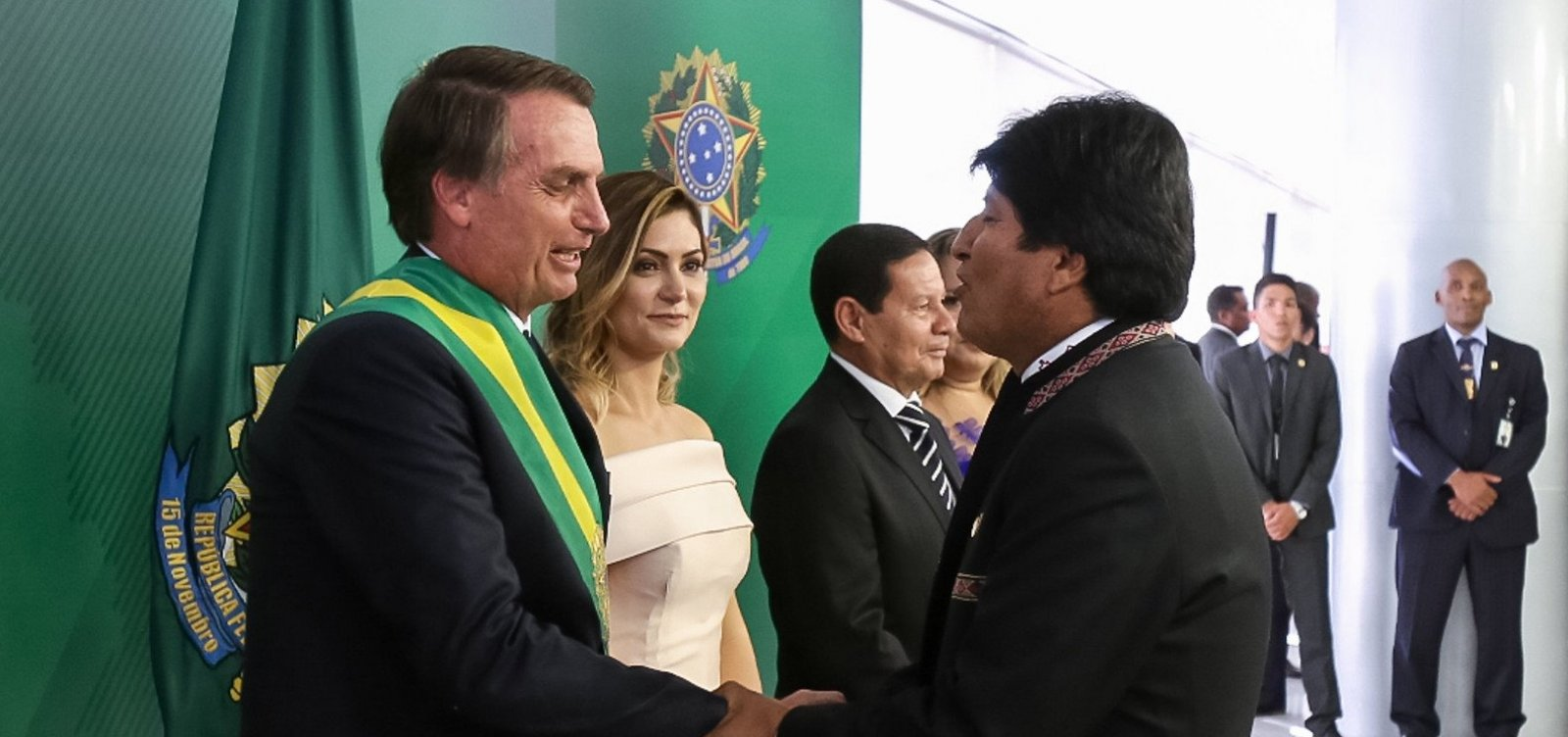 [Bolsonaro defende voto impresso após crise na Bolívia, onde o voto é impresso]