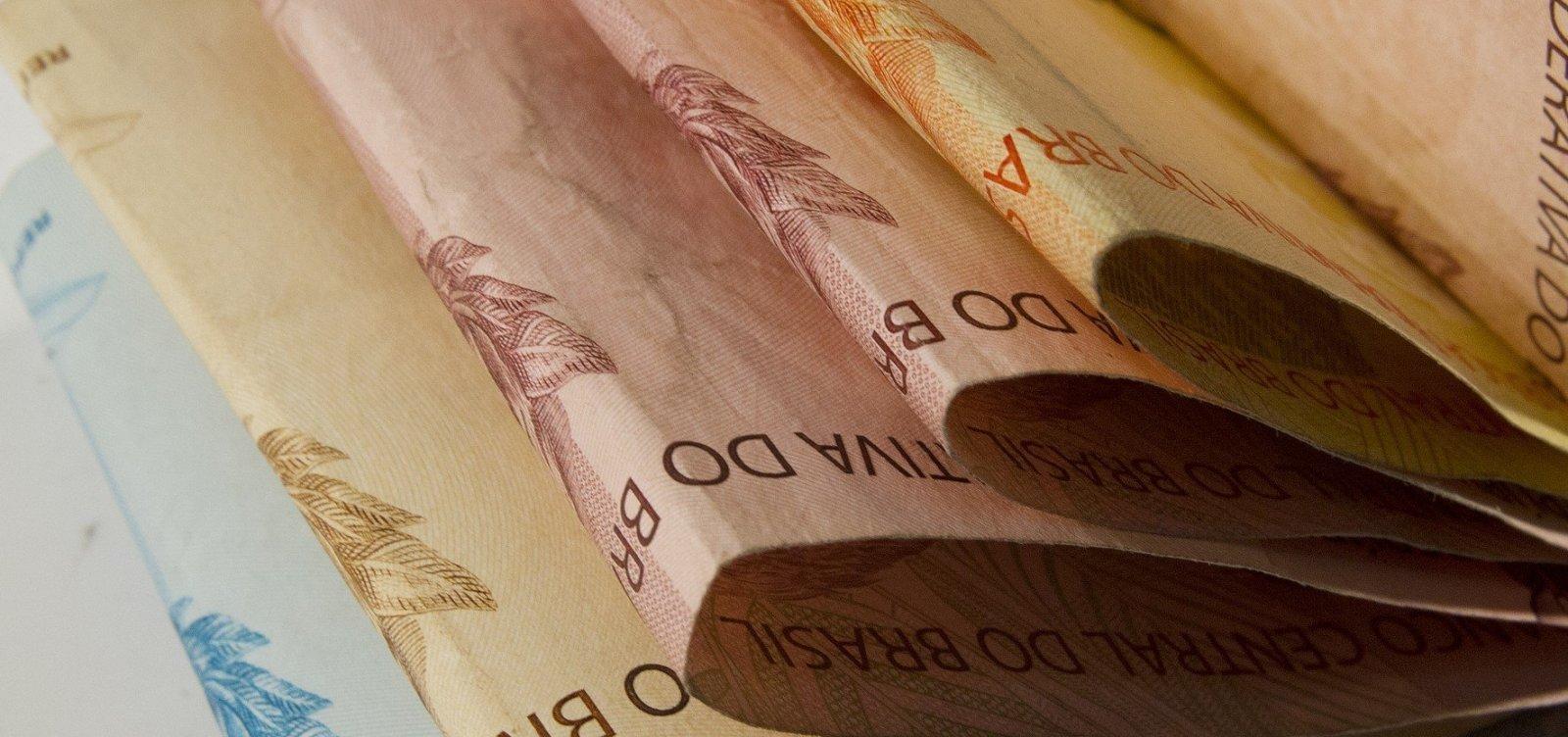 [Quase 90% dos brasileiros pretendem usar 13º salário para quitar dívidas, diz pesquisa]