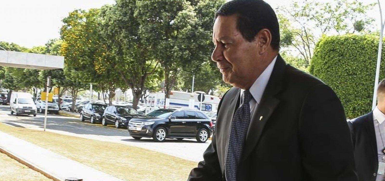 ['É preciso baixar as tensões', diz Mourão sobre cenário político durante evento em Salvador]