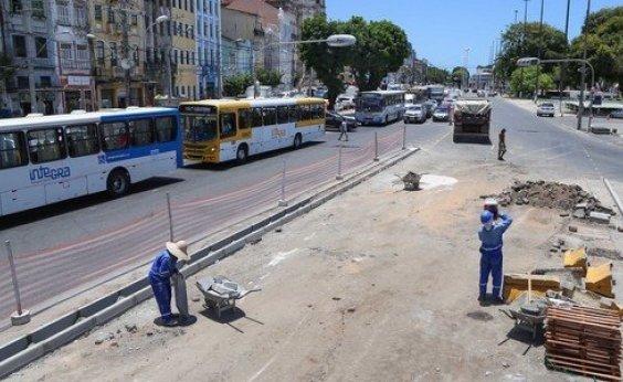 [Tráfego de veículos será alterado no Comércio devido a obras na Praça Cairu]