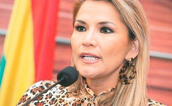 [Senadora da oposição, Jeanine Añez Chávez assume a presidência da Bolívia]