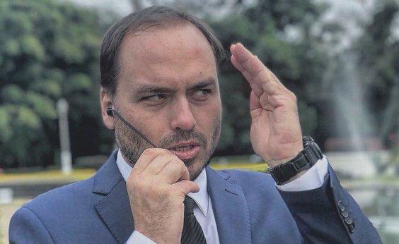 [Irritado, Carlos Bolsonaro deixa as redes sociais por um mês, diz colunista]