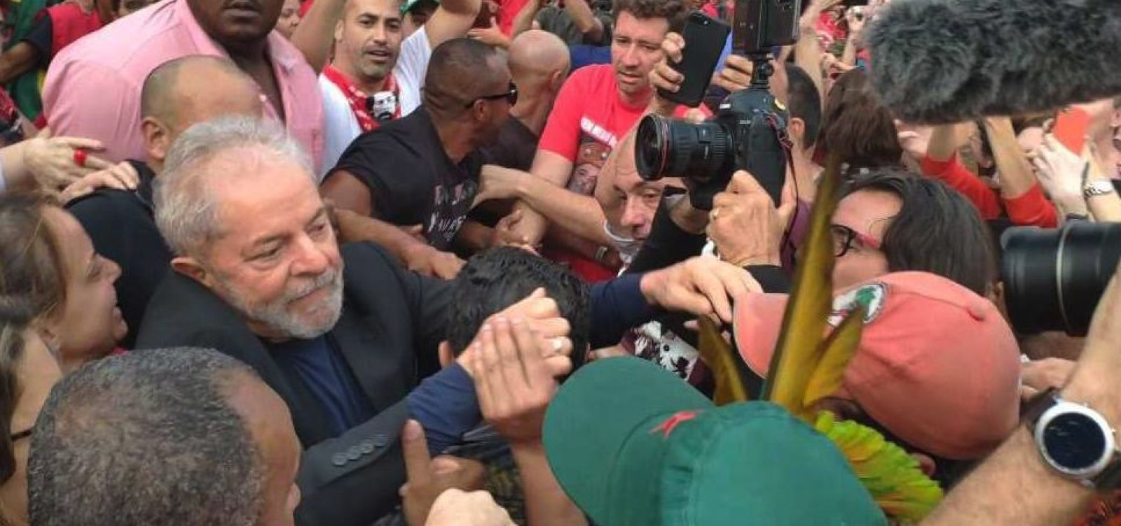 [Ex-presidente Lula chega a Salvador nesta quinta-feira]
