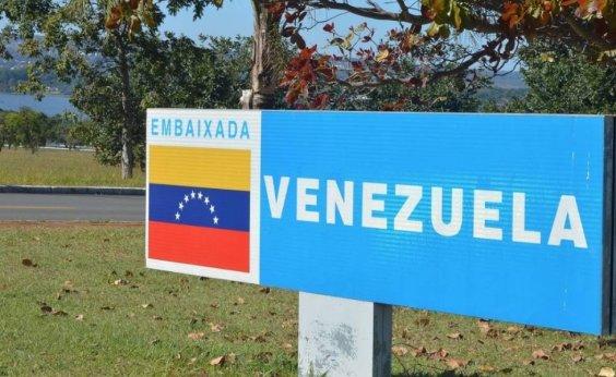[Vídeo mostra confusão entre apoiadores de Maduro e Guaidó na embaixada da Venezuela ]