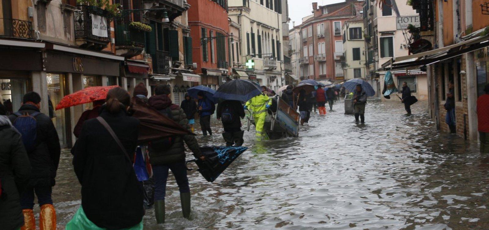 [Duas pessoas morrem após inundações em Veneza ]