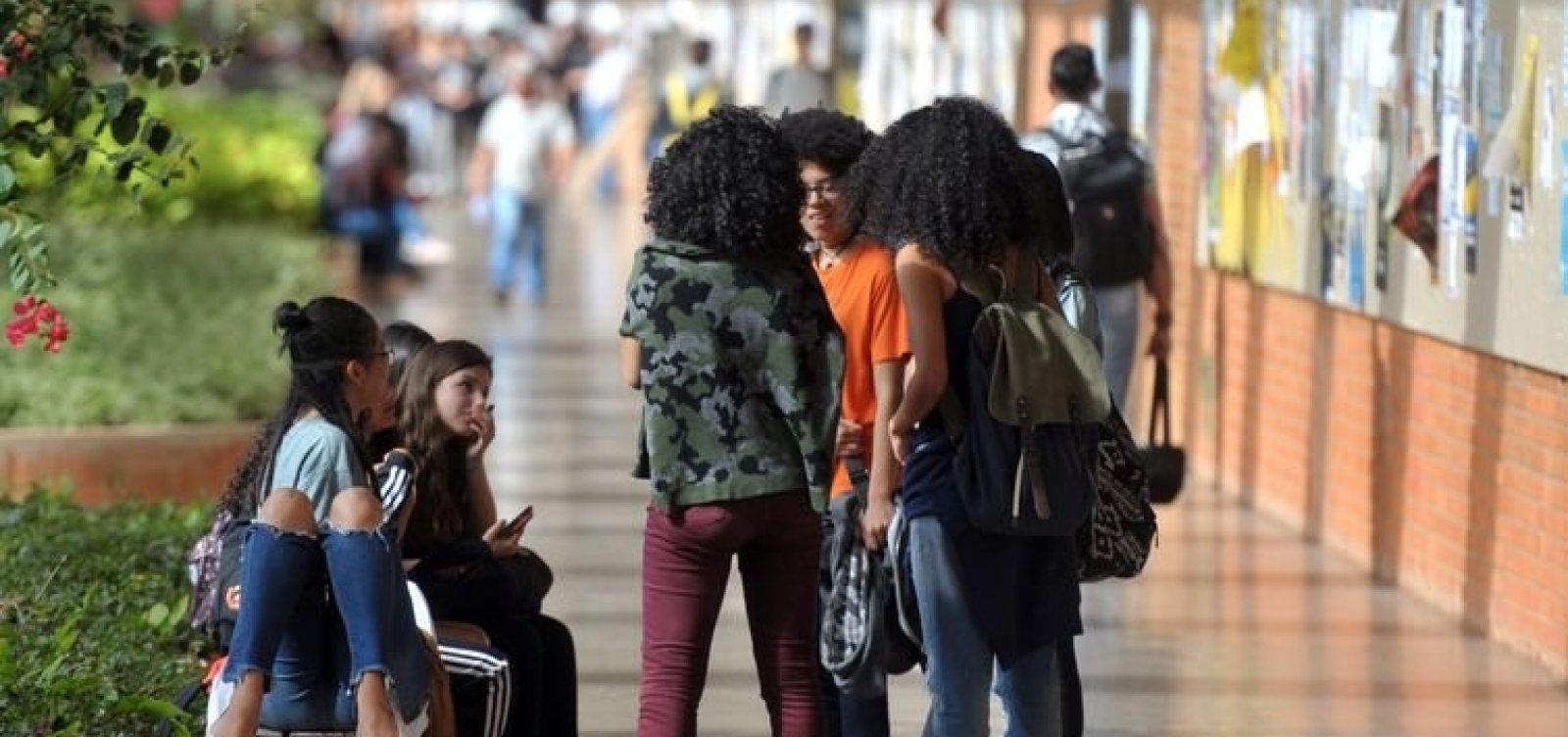 [Pretos e pardos são maioria nas universidades públicas brasileiras, diz IBGE]