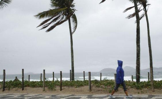[Marinha alerta para ventos de até 74 km/h entre RJ e sul da BA]