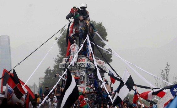 [Chile: governo e oposição fazem acordo por plebiscito em abril de 2020]