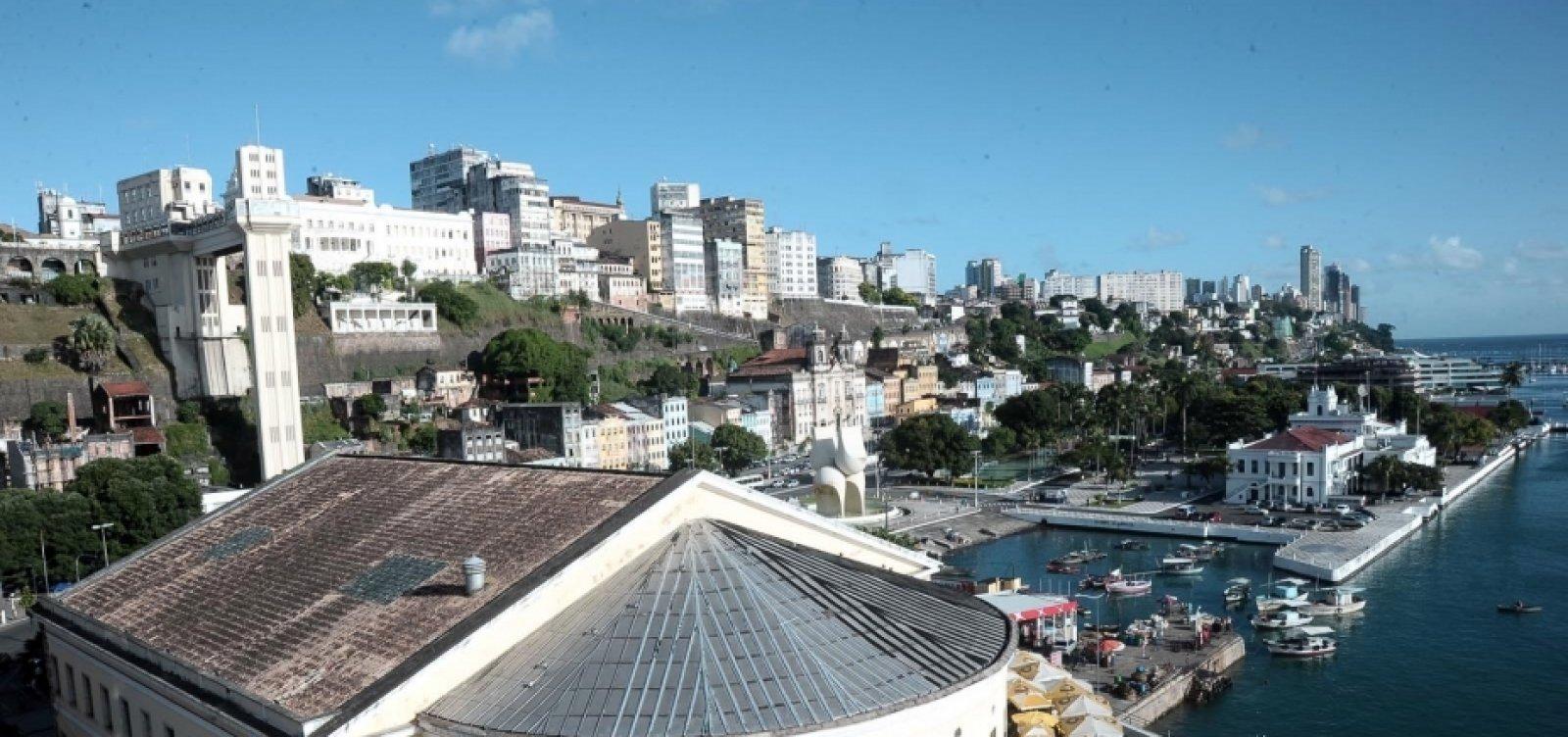 [Previsão do tempo: feriadão em Salvador é de sol com algumas nuvens]