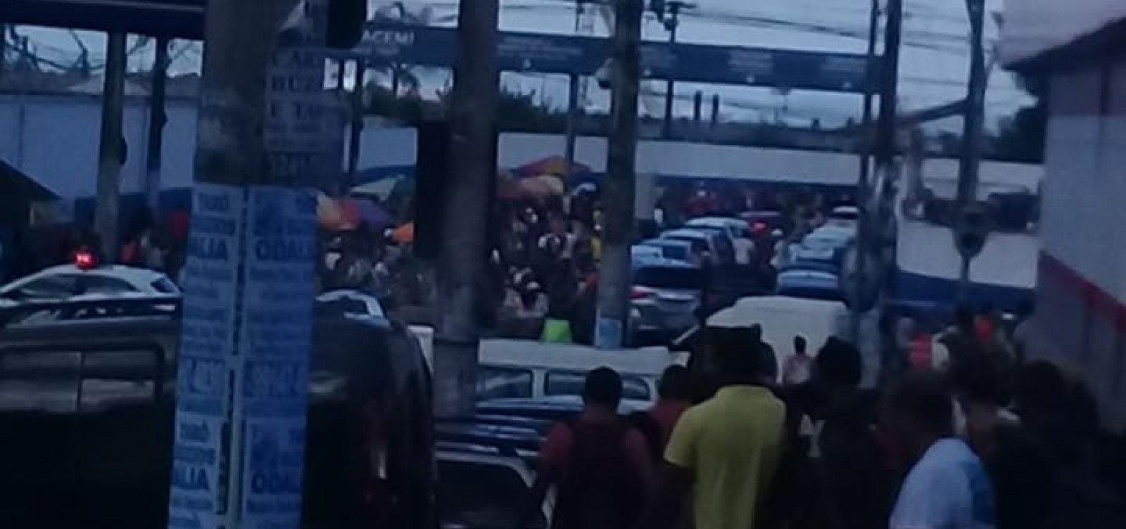 [Passageiro relata espera de oito horas na fila do ferry em Salvador]